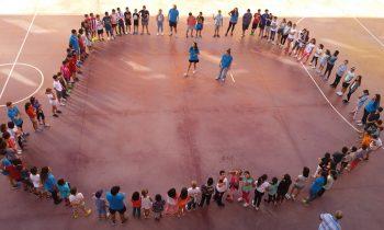 Más de 140 chicas y chicos en el primer día del centro juvenil