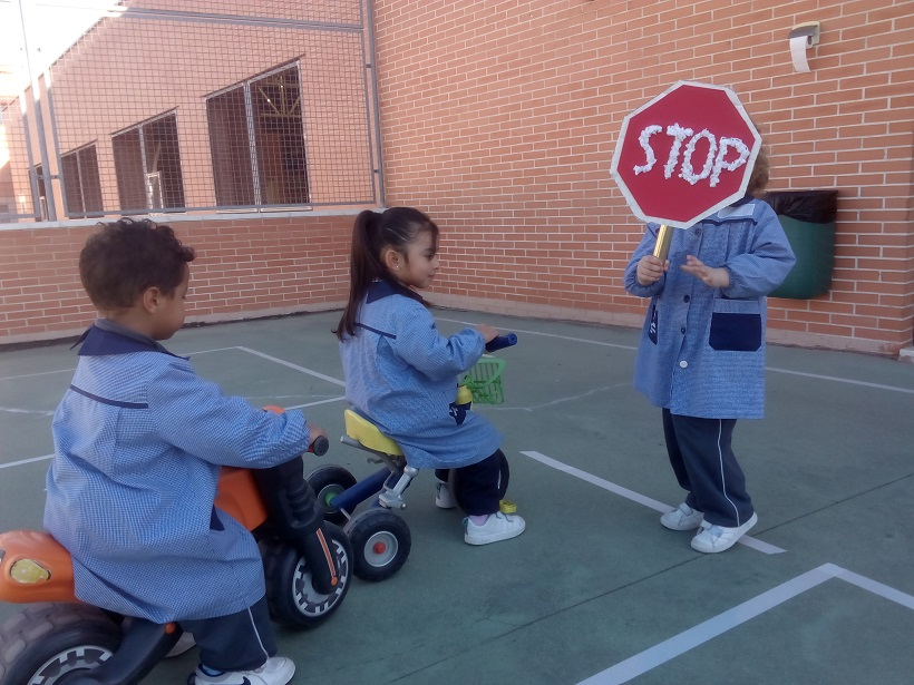 Circuito Vial en Infantil - Los Transportes2019